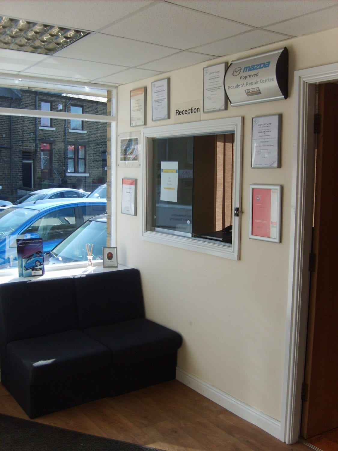 auto gear box reception area